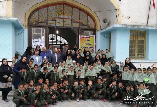 میز صنایع دستی کودکان پناهنده مقیم استان در حاشیه کنفرانس تخصصی حقوق کودک